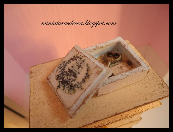 Decorated Wooden Box With Postcards And Key By MiniaturasDeEva, U20ac7.00