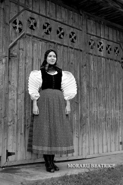 Traditional Hungarian folk costume, Szék, Transilvania, photo form www.vibexblog.tumblr.com