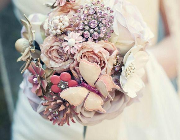 Ramos de joyería para novias con alma 'vintage'