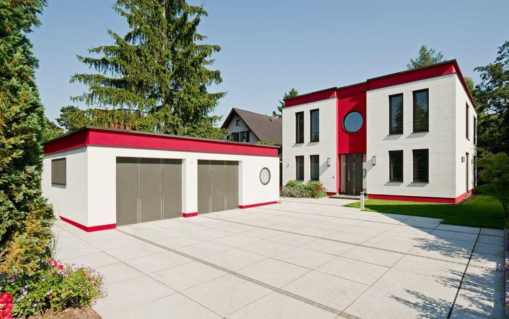 Moderne Häuser | Cubatur (Freie Planung, Putzfassade), Hauseingang mit Vorplatz