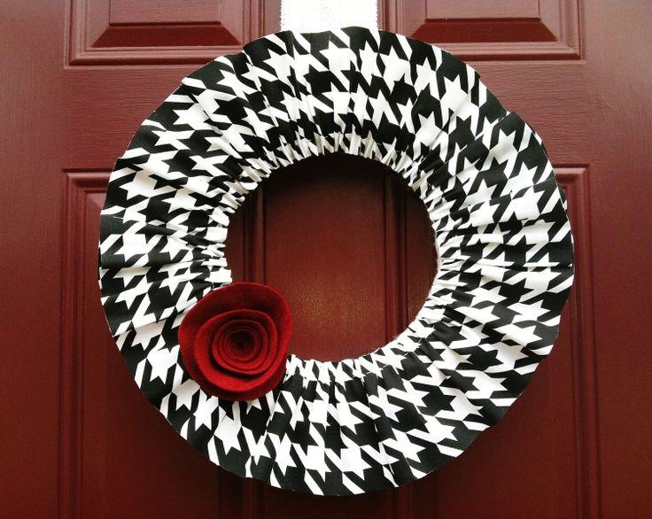 Houndstooth Ruffle Wreath