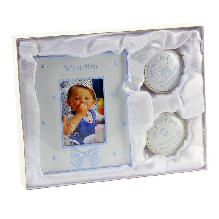 Fényképkeret és első fog- és hajtincs tartó, kék ~ Ez a kék fényképkeret és első fog- és hajtincs tartó szett egyedi ajándék kisfiús családoknak.