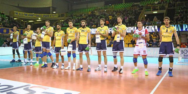 Foto di squadra della Pallavolo Modena, in cui giocano gli Azzurri: Matteo Piano, Luca Vettori e Salvatore Rossini.