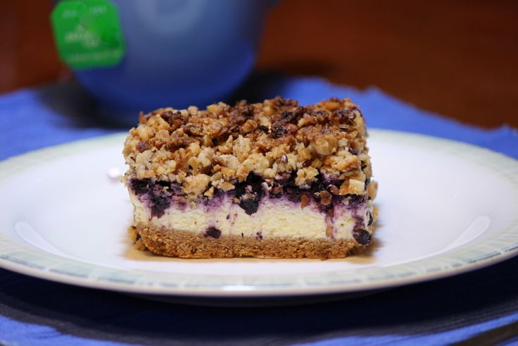 Blueberry Crumble Cheesecake Bars | SWeeTs & TReaTs | Pinterest