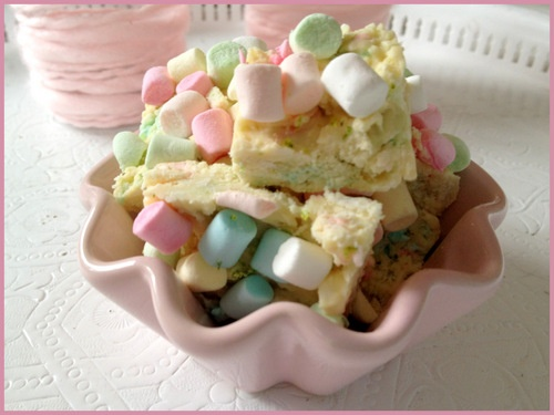 White Rocky Road with lime, coconut-flakes and mini marshmallows