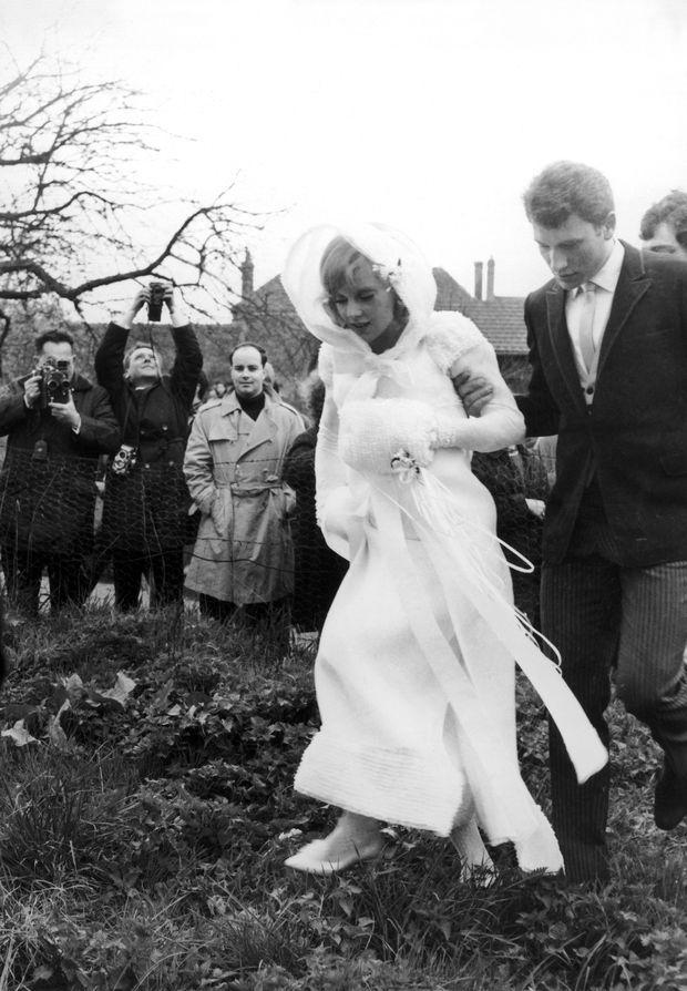 Sylvie Vartan épouse Johnny Hallyday en 1965