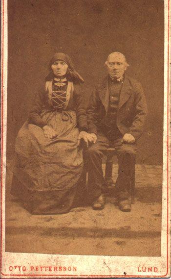 Anna Larsdotter Född 1813-09-28 Harlösa Död 1891-03-24 i Silvåkra. Karl Jönsson Född Född 1812-03-31 i Vomb Död 1901-03-25 i Silvåkra.
