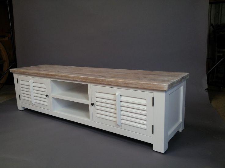 Landelijk tv meubel , wit, shutters. 190 CM. AW 1022.  COUNTRY COLLECTIE.