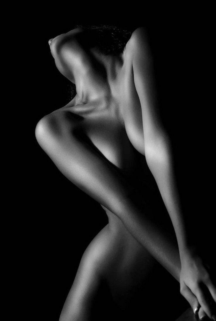 Smooth artistic nudist