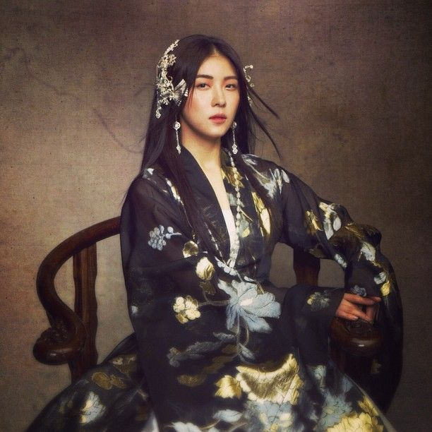 Empress Ki (Hangul: 기황후; hanja: 奇皇后; RR: Gi Hwanghu) is a South Korean pseudo-historical television series starring Ha Ji-won as the titularEmpress Gi.It aired on MBC from October 28, 2013 to April 29, 2014 on Mondays and Tuesdays at 21:55 for 51 episodes.