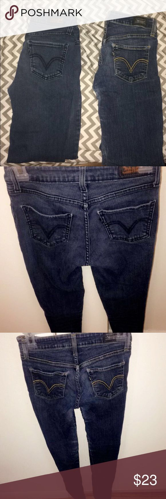 2 pairs of Levi's Skinny Jeans Can sell the 2 Levi's Skinny Jeans together. They're both in good condition. A little wear near the knees on both. Go to my page and check my listings for more pics of the 2 Levi's Skinny Jeans! Size: 3M an size 1M both fit the same. Usually a size 26 in jeans Levi's Jeans Skinny