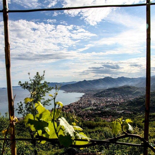 Cornici naturali a #Verezzi  #fioridiriviera di @ ricgianni
