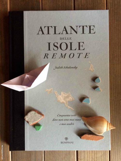 Nell'oceano delle volgarità i pensieri nobili appaiono come delle isole.  Augusta Amiel-Lapeyre, Pensieri selvaggi, 1909