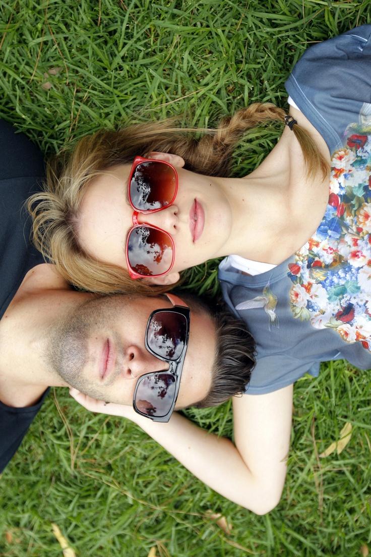 Psssssst!    Cei mai cool ochelari de soare la TinaR îi găsiţi. Reducere de 50% ;)    Linkul magic: http://www.tinar.ro/accesorii/ochelari.html