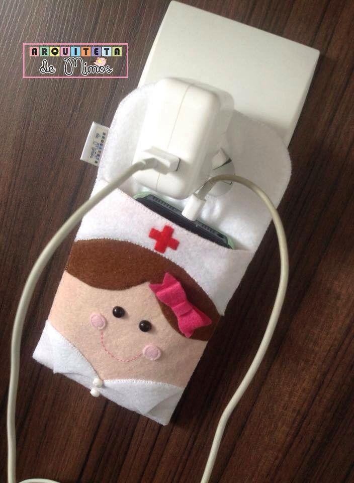 Porta carregador celular enfermeira