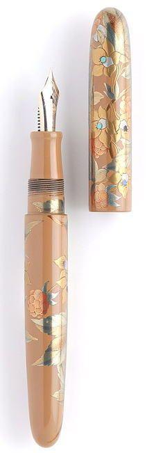 Japanese maki-e lacquer fountain pen by Nakaya Fountain Pen 中屋万年筆