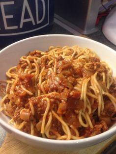Vicki-Kitchen: Slow cooker best ever bolognese ( Slimming world friendly)