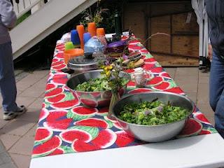 That Bloomin' Garden: Getting Kids in the Garden: Kids Inspiration, Writers United, Garden Bloggers, Children S Gardening, Homegrown Kids, Busy Bodies, Vegetable Garden