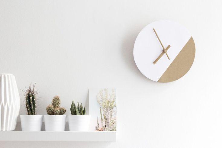 Une horloge graphique et chic DIY. Cet Ikea hack ultra simple à réaliser est aussi très économique.