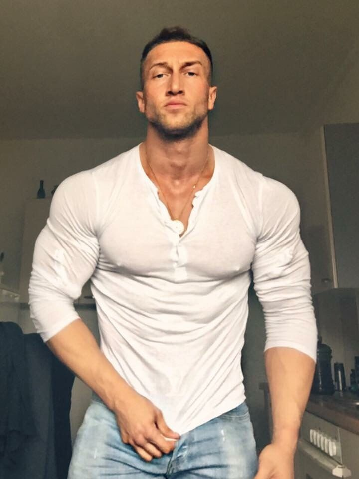 884 Best Giant Hunks Images On Pinterest  Muscle Guys, Muscle Fitness And Beautiful Men-6183