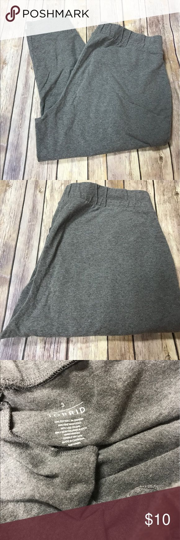 Pre-Loved Torrid Gray/Grey leggings Ankle Cut Gray ankle cut leggings. Good condition, only worn a handful of times. Only physical wear is the piling as shown in pictures. torrid Pants Ankle & Cropped