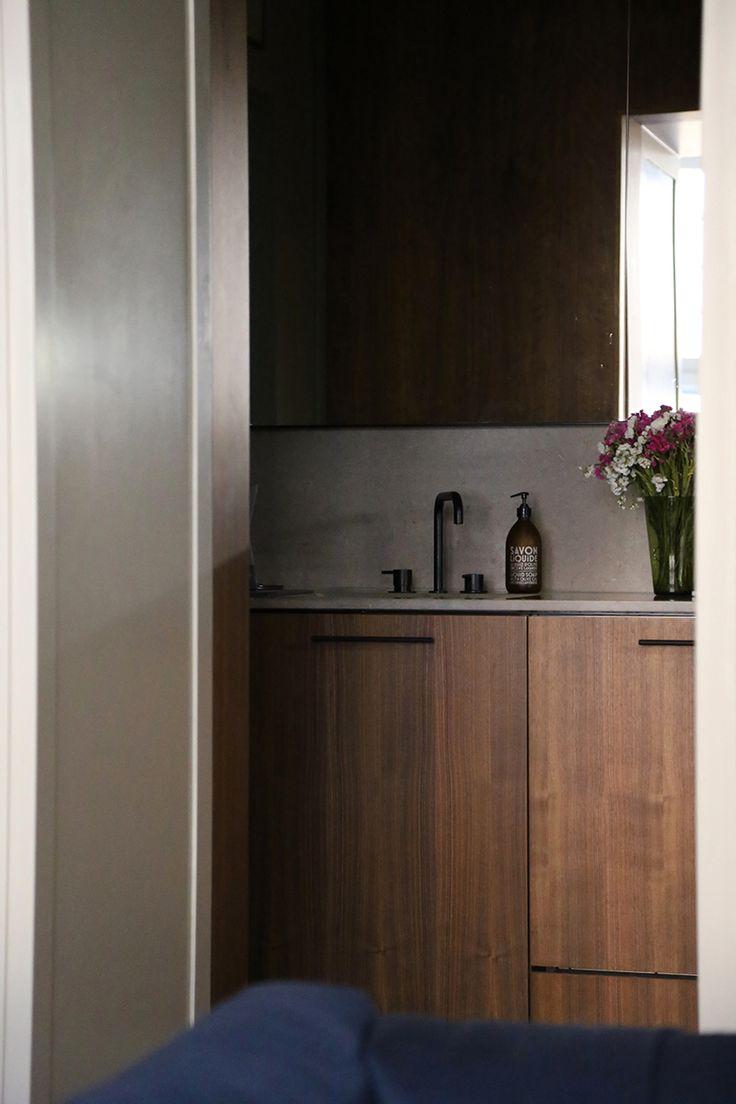 Apartment @ Katajanokka, Helsinki. Interior design and styling by Poiat. Black faucet by Vola
