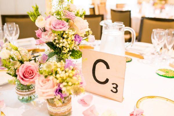Casamento temático Scrabble: numeros de mesas de casamento