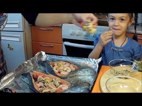 Форель-пицца, запечённая с морепродктами