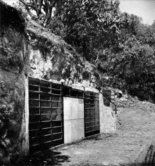 Programa Cuevas Civilizadas , Sur de av. Constituyentes en De La Torres, Belén de las Flores, Alvaro Obregón, México DF 1953 (?)  Arq. Carlos Lazo con  Augusto Pérez Palacios y Jorge Bravo