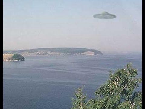 見て! カメラで撮影されたUFO  新しいUFOの目撃今すぐ見る!Look! UFO  caught on camera   New UFO s...
