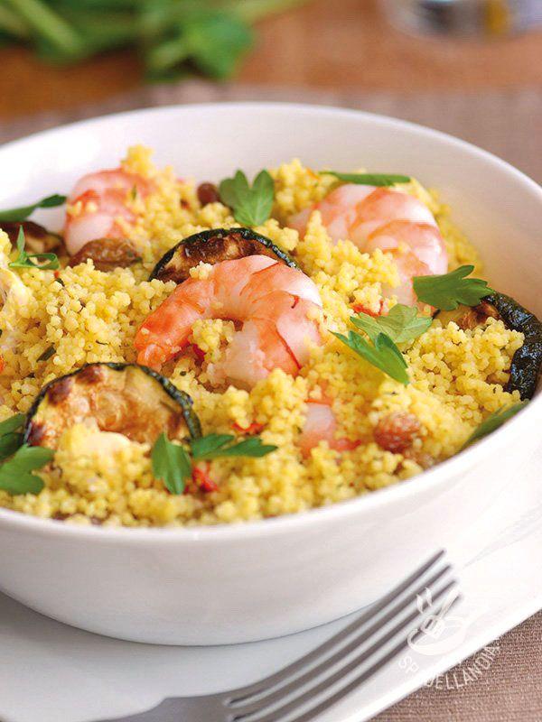 il Couscous gamberi e zucchine grigliate è un piatto completo, perfetto per un buffet! Potete usare le zucchine grigliate surgelate se avete poco tempo!