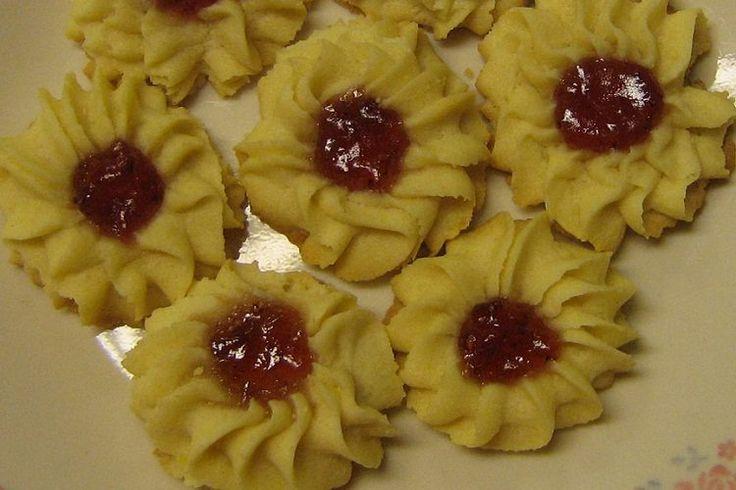 resep kue semprit renyah  berbentuk  bunga mawar   salah satu variasi Resepi Semperit Susu Enak dan Mudah