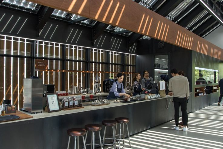Manufact Coffee Roasters Apgujeong Queenmamamarket, Seoul Sinchon counter