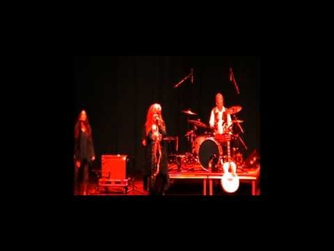 """Fleetwood Mac / Stevie Nicks """"Straight Back"""" 2011 Live by White Winged Dove Tribute Band"""