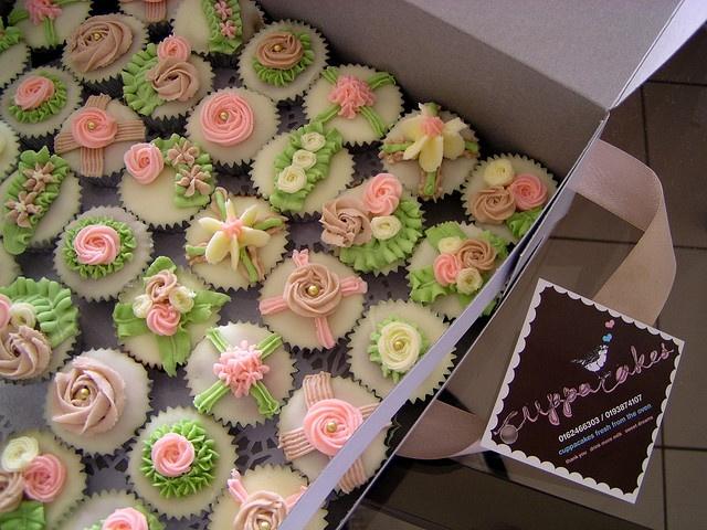 secret garden party cupcakes