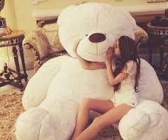 Resultado de imagem para giant teddy bear tumblr