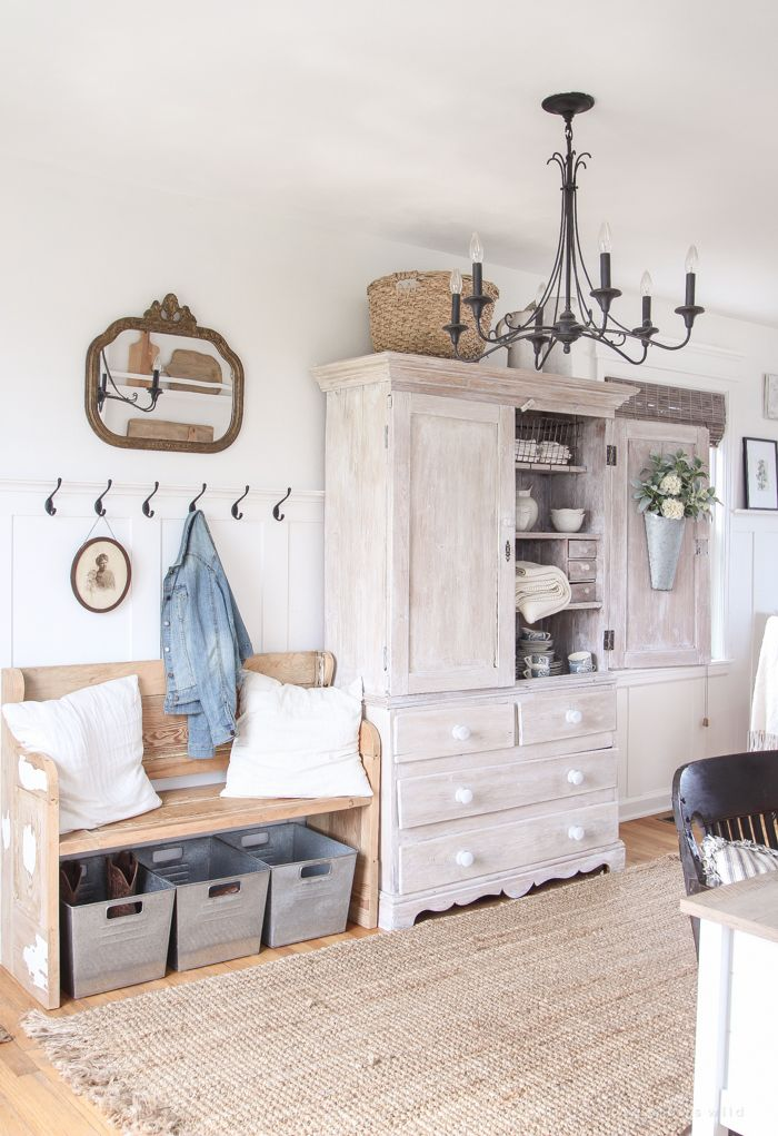 1000 ideas about french farmhouse decor on pinterest for Farmhouse mudroom ideas