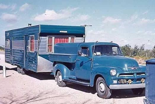734 best classic rv 39 s tow vehicles images on pinterest vintage trailers gypsy caravan and. Black Bedroom Furniture Sets. Home Design Ideas