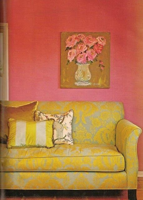 damask: Wall Colors, Colors Combos, Living Rooms, Pink Yellow, Home Interiors, Interiors Design, Pink Wall, Yellow Couch, Design Home
