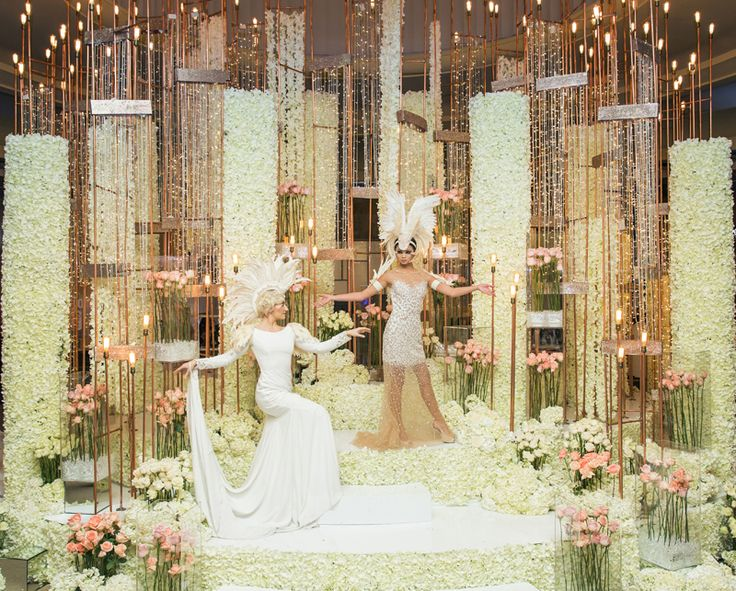 Beautiful flowers installation by Flowers Tme with the Famous Russian designer @mariakamenskaya for the Wedluxe #flowers#toronto#wedding#pink#white#color