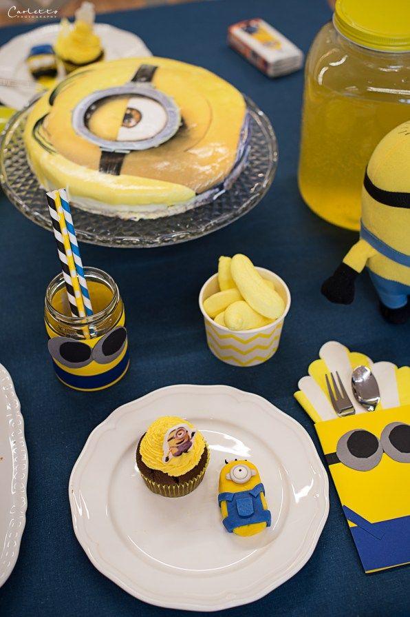 Minionsparty, Minions, Stylestrecke, Styletisch, Deko, DIY, Kidsparty, Kinderparty, blau gelb, Dekoration, decor, decoration, doityourself, Basteln, kids party, childrens party