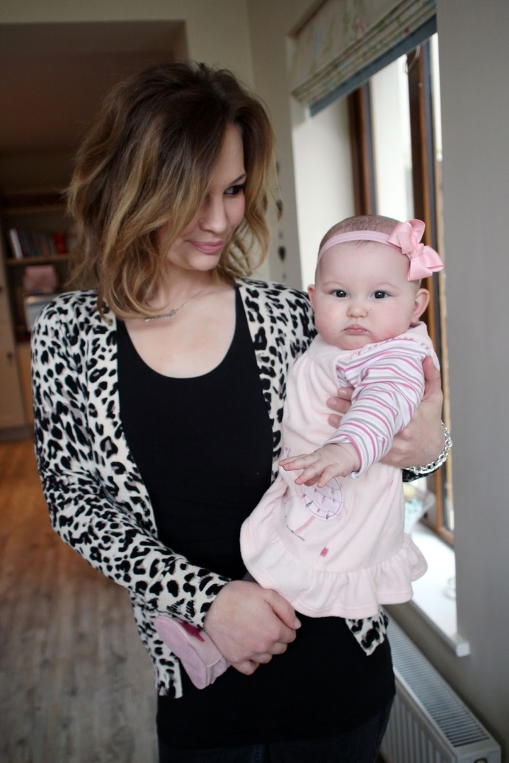 How cute is momma Anna and baby Emilia Saccone Joly :)