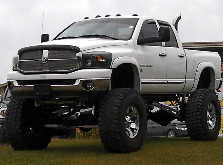 Love the headlights, lift, tires, and stacks.
