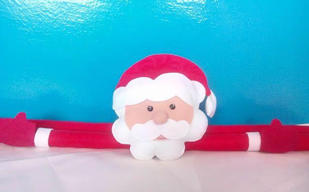 A Vanessa Moraes, da Cuty Ateliê, compartilhou com a REVISTA ARTESANATO o passo a passo de um protetor de porta duplo no tema natalino  É muito útil e fica lindo na decoração! Aprenda a fazer com a gente: