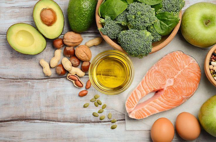 Přibývající věk nezastavíte, to je pravda. Avšak se stárnutím kůže, vlasů a zkrátka celého zevnějšku, s tím už se něco dělat dá! Máme pro vás tip na jídelníček složený z potravin, které se pyšní výbornými anti-aging vlastnostmi.