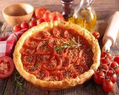 Tarte aux feuilles de brick, tomates et chèvre : http://www.cuisineaz.com/recettes/tarte-aux-feuilles-de-brick-tomates-et-chevre-44632.aspx