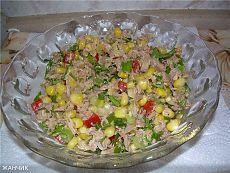 Питательный салат с тунцом