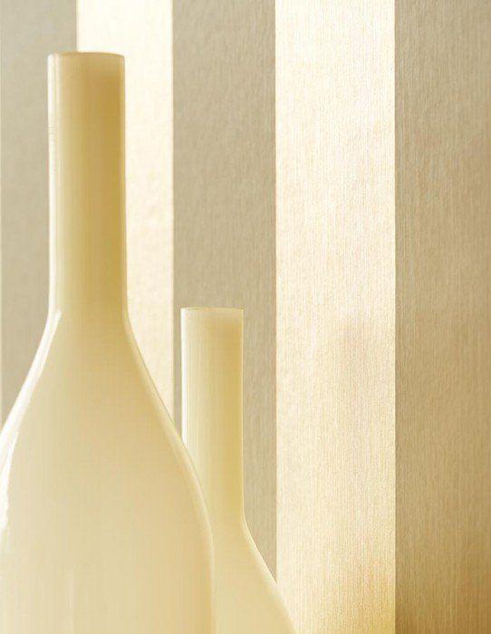 42,77€ Preço por rolo (por m2 8,23€), Papel de parede glamouroso, Material base: Papel de parede à base de papel, Superfície: Liso, Efeito: Efeito metálico, Design: Listas, Cor base: Ouro brilhante, Amarelo oliva, Cor do padrão: Ouro brilhante, Amarelo oliva, Características: Resistente à luz, Removível com água, Colar no papel de parede, Com esponja ou pano úmido
