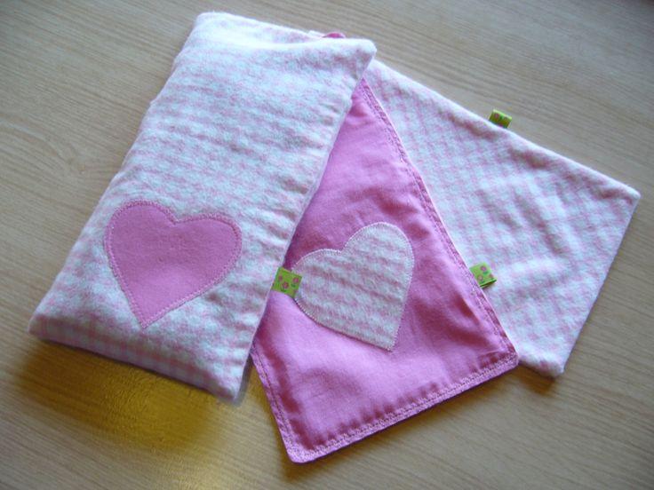 recycle: oude lakens in hoesjes voor kersenpitkussentjes