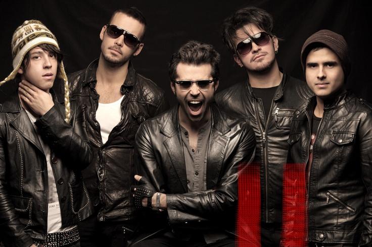 The Mills es mi banda colombiana favorita de género rock alternativo formada en Bogotá con cinco integrantes en el año 2007, por el vocalista Álvaro Charry, el guitarrista Jorge Luis Bello, el bajista Ramón Gutiérrez, el teclista Diego Cáceres y el baterista Diego Cadavid.